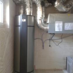 Kontrollierte Wohnraumlüftung mit Warmwasserbereitung